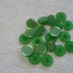 20 apple green shank buttons