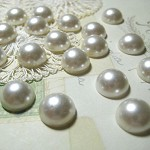 40 x Ivory Pearl Acrylic Flat Back Cabochons