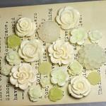 20pcs - Resin Flower Cabochons - Cream/Lemon