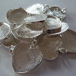 10 x Heart silver plated pendant trays