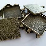 10 x Square 30mm Antique Bronze pendant trays