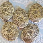 5pcs Antique Bronze Oval Locket with flower detail