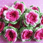 5 Pink and Green Crochet Flowers