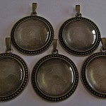 5 x 30mm Antique Bronze Pendant & Bail Findings with Matching Glass Domes Kit.