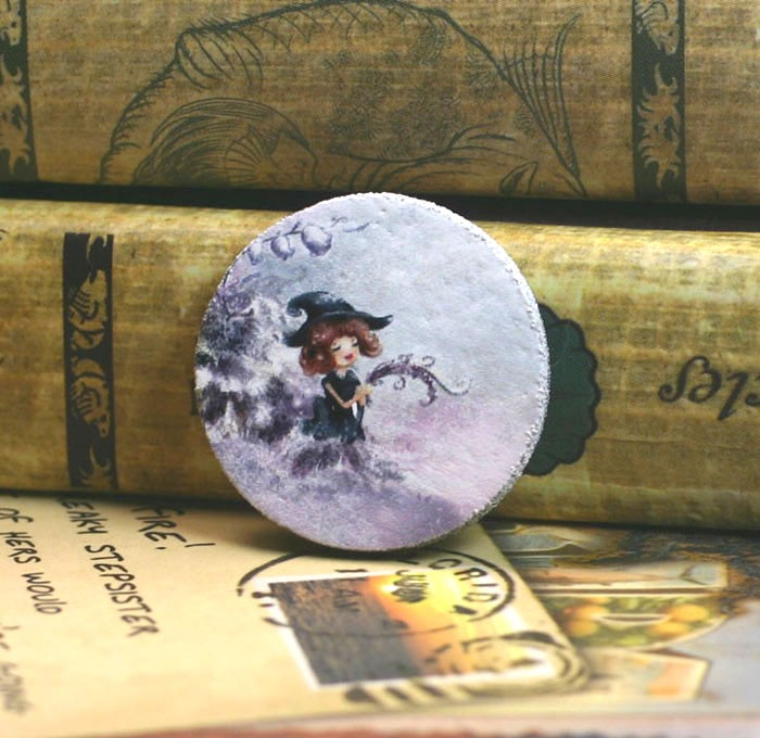 4x Cabochons 25mm - Girl Holding Branch