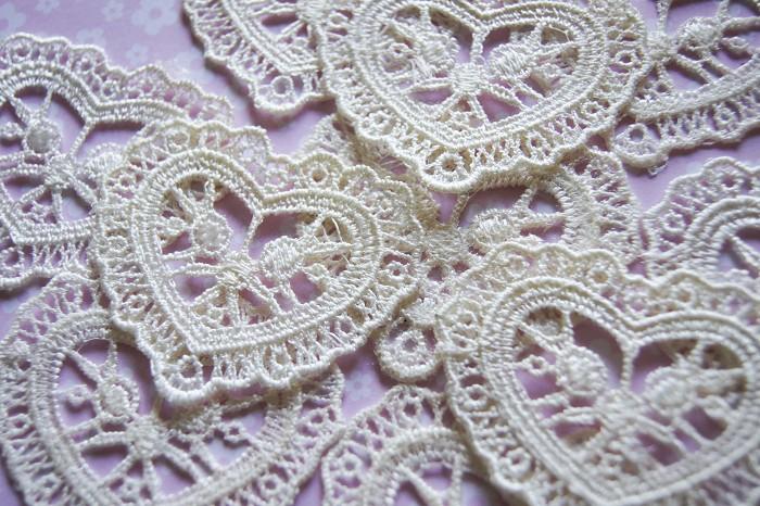 5 Venice Lace  Ivory  Hearts