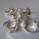 20 x silver plated thick finger rings with glue pad