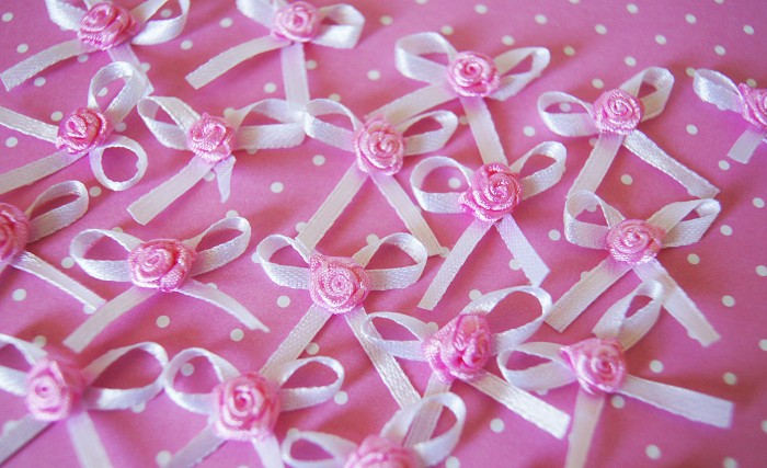 NEW Gorgeous White Ribbon Bows with Cute Pink Rose x 10