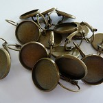 20 x 16mm earring trays (10 pairs) - Bronze