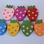 100 Wooden Strawberry beads