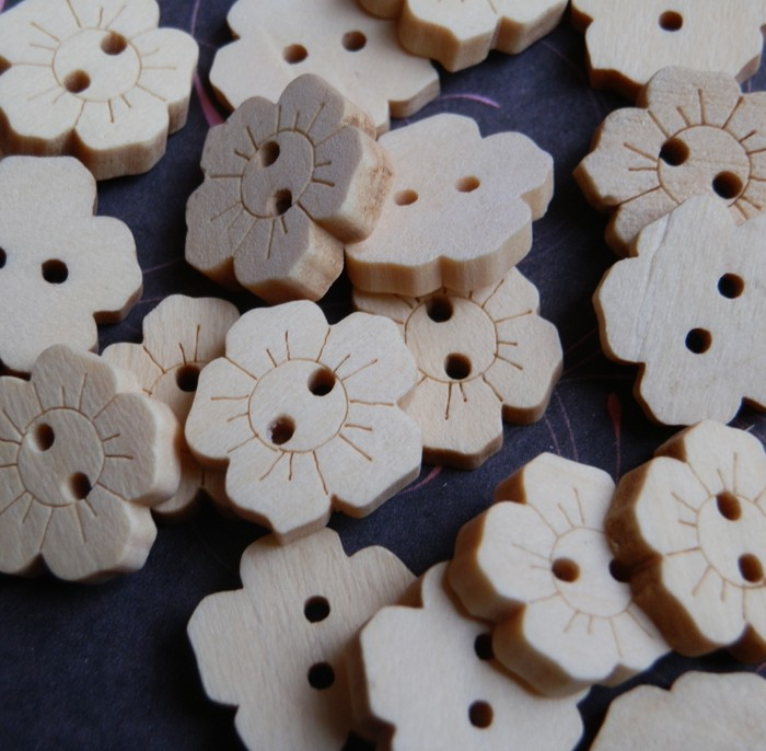 50 Wood Flower  Sewing Buttons Scrapbooking