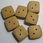 7 wooden buttons