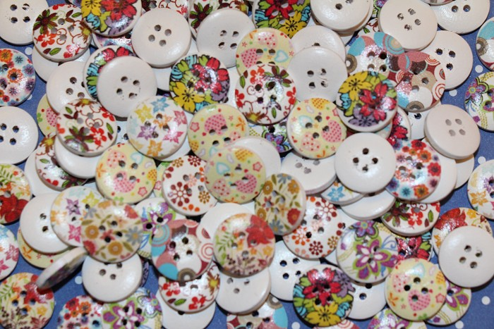 20 Mixed Printed Wood Buttons 15 mm