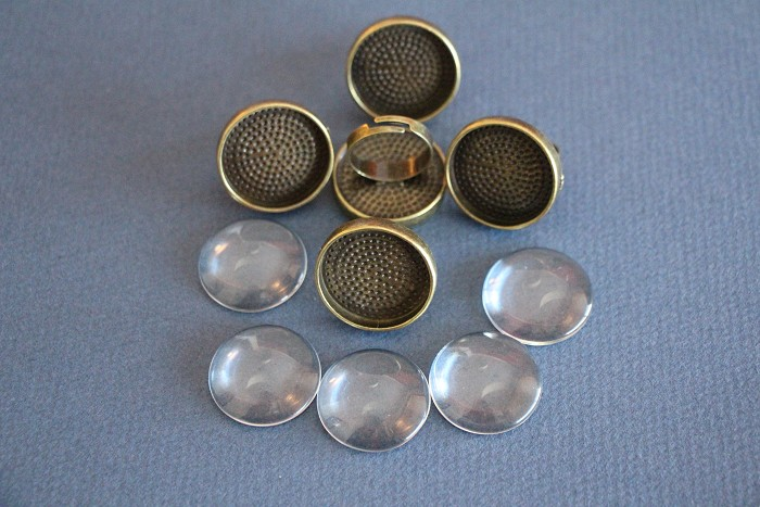 5 Antique Bronze Round Adjustable Rings & Glass Domes Kit .