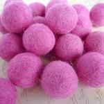 Felt Balls x 20 - Dark Pink - 2cm