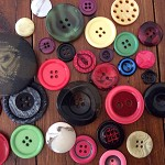 30 buttons assorted colours vintage new old cards sewing red brown cream purple