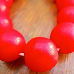 14mm Resin beads solid Red 1 x strand of 30