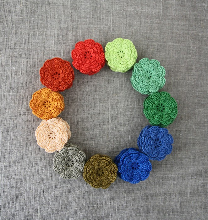 (New shades) pack of 5, Crochet flowers in your choice of colours