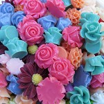 50 Assorted Cabochon Flowers