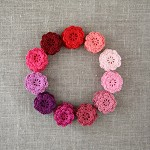 Pack of 15, winter berry crochet flowers in colours of your choice, pink, purple