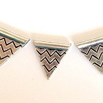 Flag Bunting Beads - 10pcs