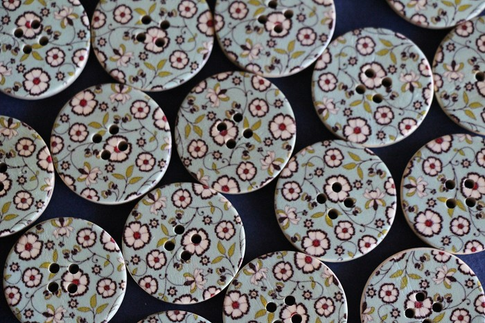 6 Gorgeous New Floral Wooden Buttons