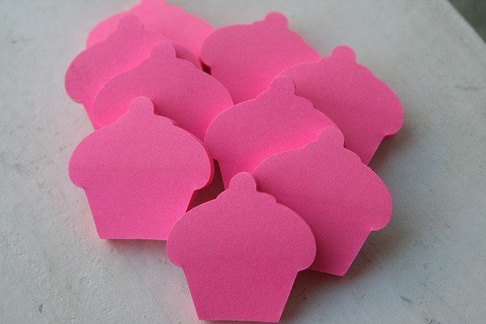12 Mini Floro Cupcake Post It Notes Party Favours Party Gifts Party Novelties