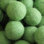 ::Grass:: felt balls x50