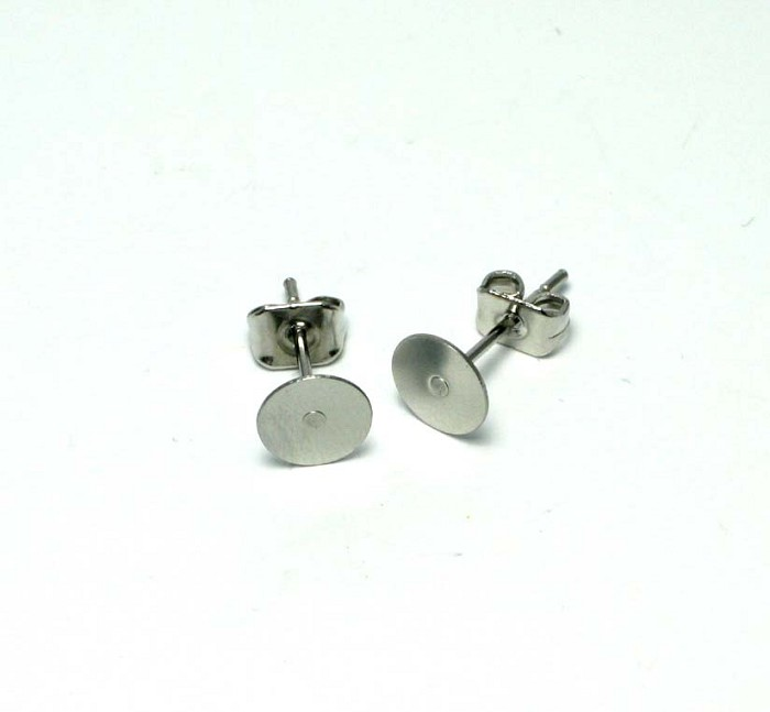 100pcs - 8mm Surgical Stainless Steel Studs & Butterfly Backs (50prs)