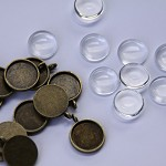 10 x 16mm pendant trays and glass domes - Antique bronze