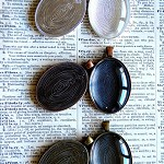 10 x Oval Pendant Settings includes Trays and matching glasses 30X40mm