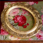 Vintage Gold Leaf Pattern Oval Wooden Picture Frame