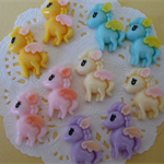 10 x resin My little Pony cabochons ~20mm