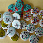 25 x Tree of Life on white wood buttons 20mm