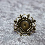ANTIQUE BRASS ROUND FLOWER ADJUSTABLE RINGS - 10 PACK