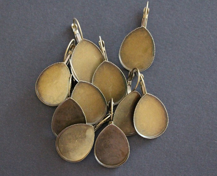 10 Teardrop Antique Bronze Earring Trays (5 pairs)