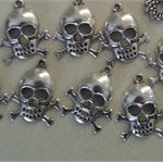 10 Skull crossbones charm Antiqued silver - finished