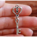 10 Pcs Vintage Style Antiqued Key Charms Mixed Styles...Silver Solor