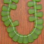 Candy Corn shaped resin beads Green 1 x strand of 36 beads