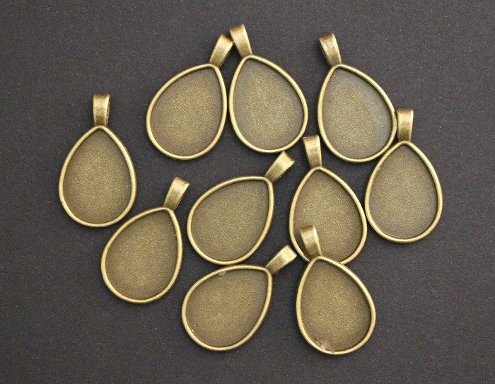 10  Antique Bronze Teardrop Pendant Trays Settings 25 x18mm.
