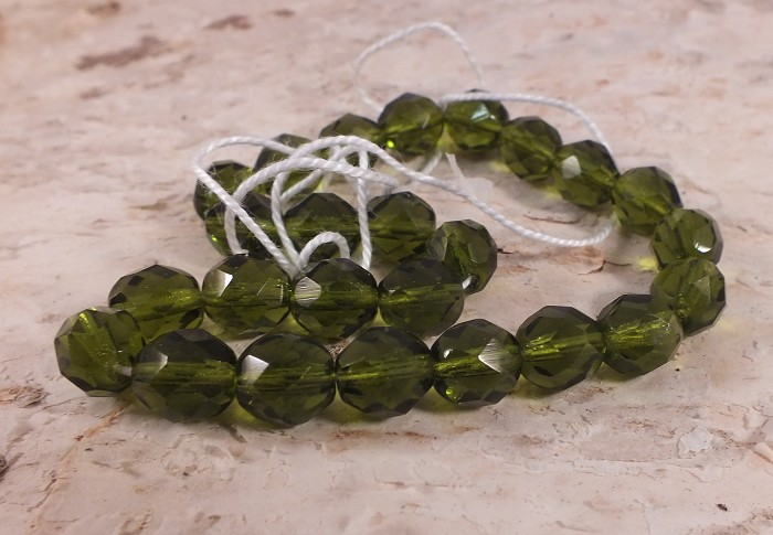 25x Czech Fire Polish Beads 8mm - Olive Green