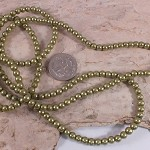 1xstrand Glass Pearl beads 4mm - Olive