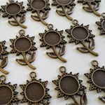 10 Flower Pendants Antique Bronze 9mm tray