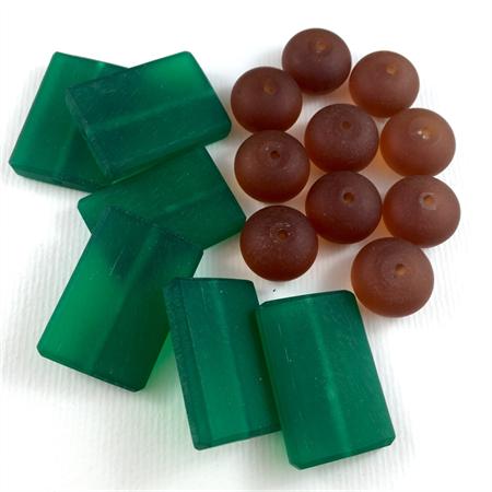16 Large Resin Beads