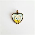 Adorable Kitten Heart Cameo