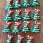 15 x Christmas Tree Novelty Shank Buttons 