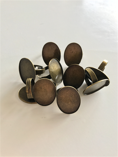 10 Oval Rings & Glass Domes, Antique Bronze .