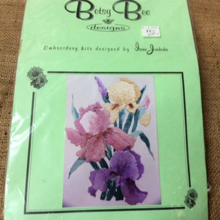 Betsy Bee Design Embroidery Kit - Irises