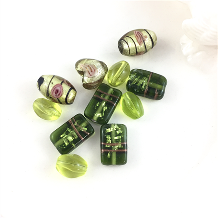 10 x mixed glass lampwork beads