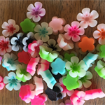 50 x flower cabochons